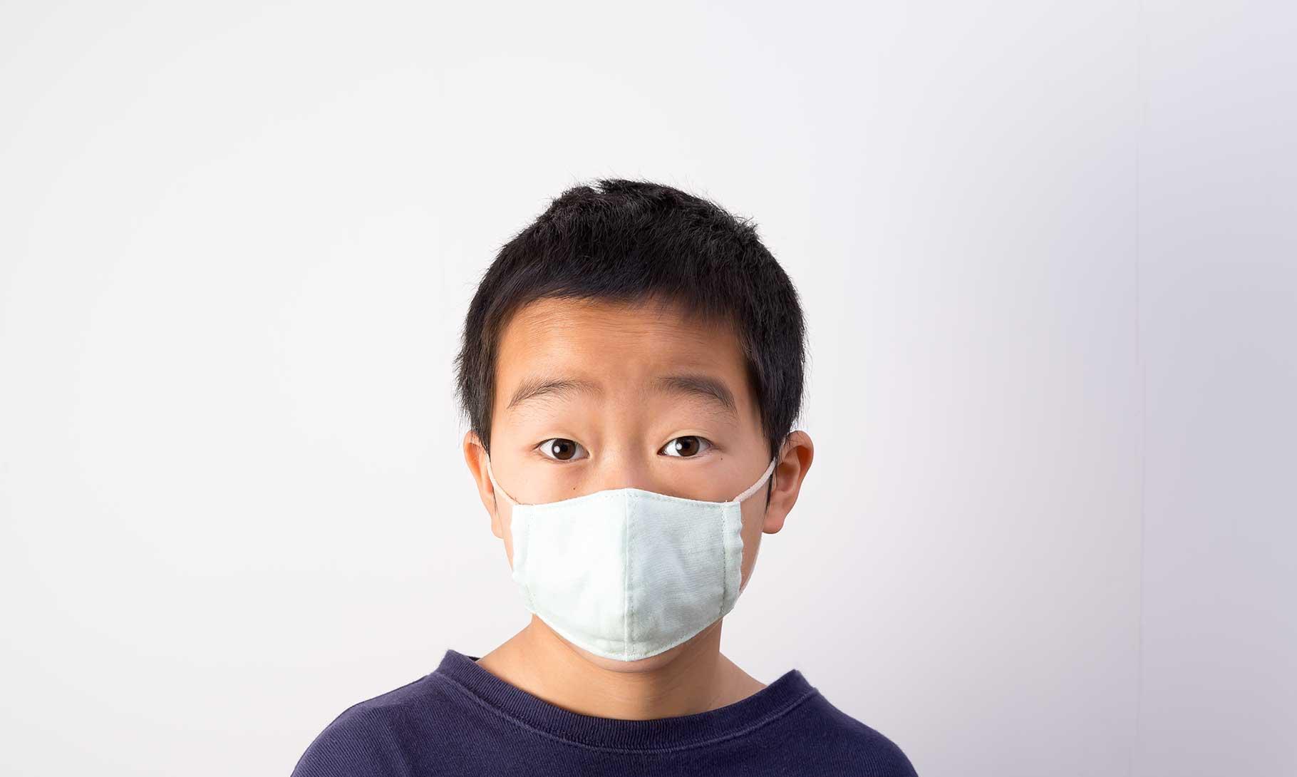 子供用立体マスク男の子装着正面
