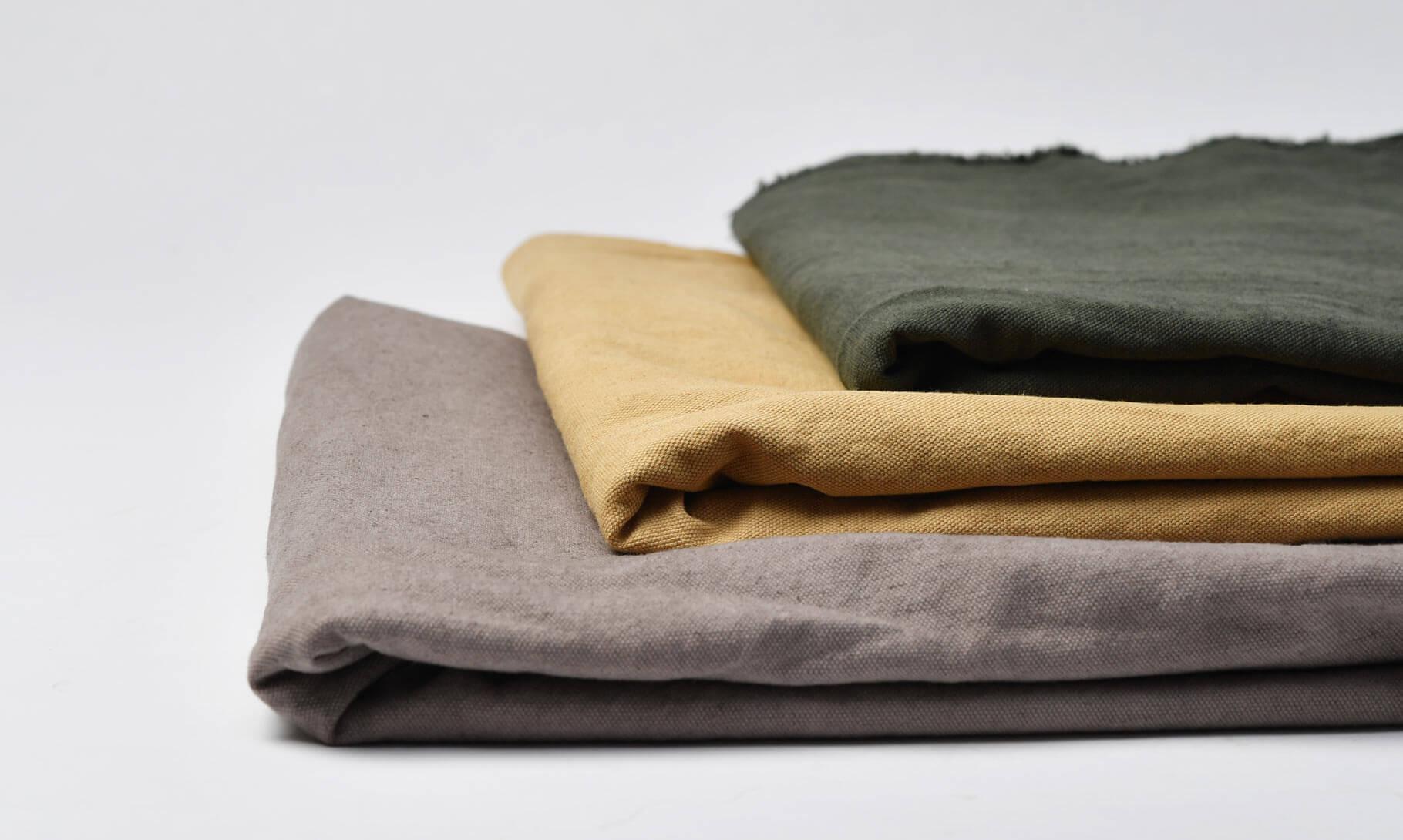 ダメージダイド綿麻混合3種類畳んである